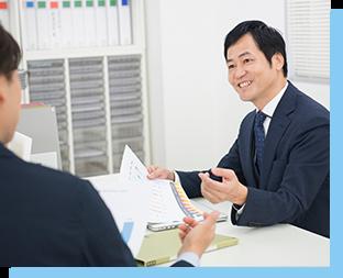 写真:営業研修を検討している人に研修プランを提案