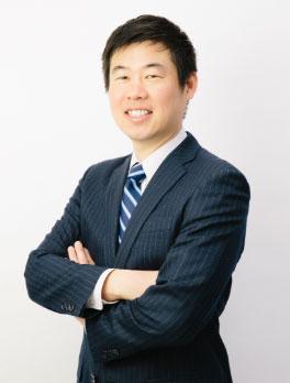 写真:笑顔の代表取締役 営業研修講師 宮脇 伸二